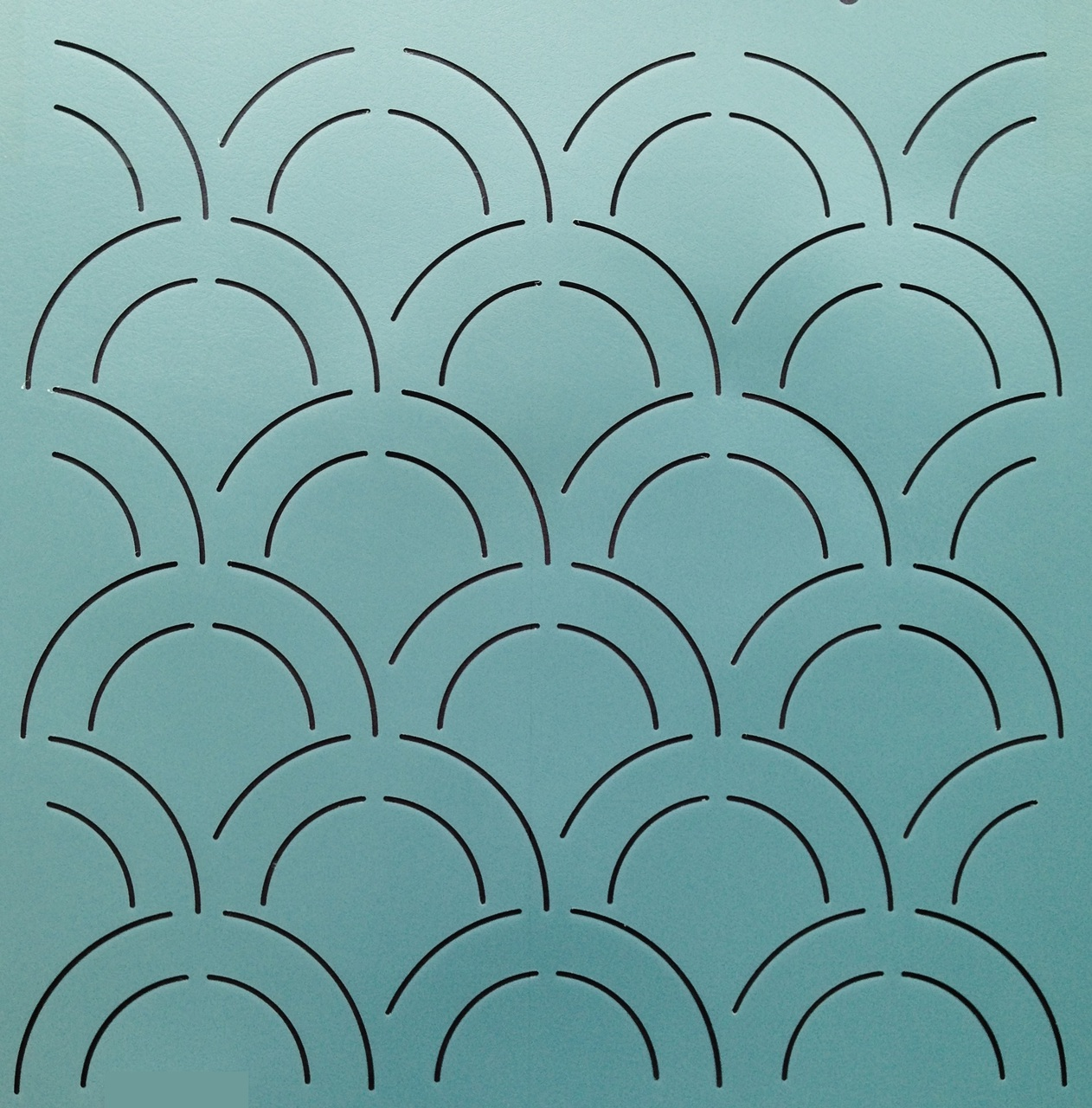 Double Clam Shell Background 12'' [2'' x 4'' Design]